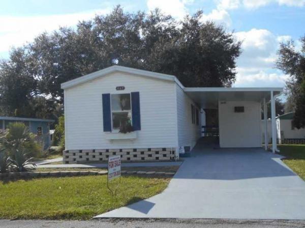Mobile Home at 469 Petunia Dr, Fruitland Park, FL