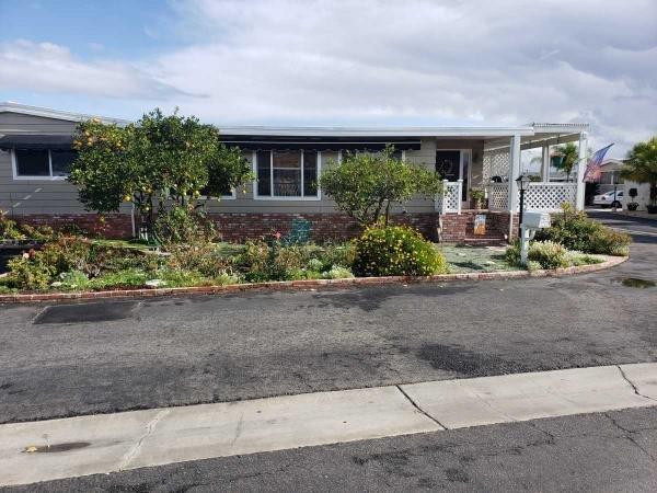 Mobile Home at 19361 Brookhurst #136, Huntington Beach, CA