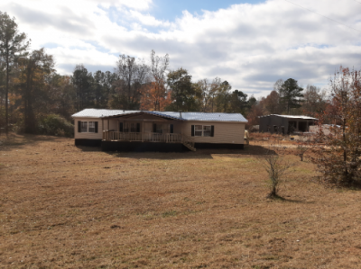 Mobile Home at 1033 COUNTY ROAD 250 Roanoke, AL 36274