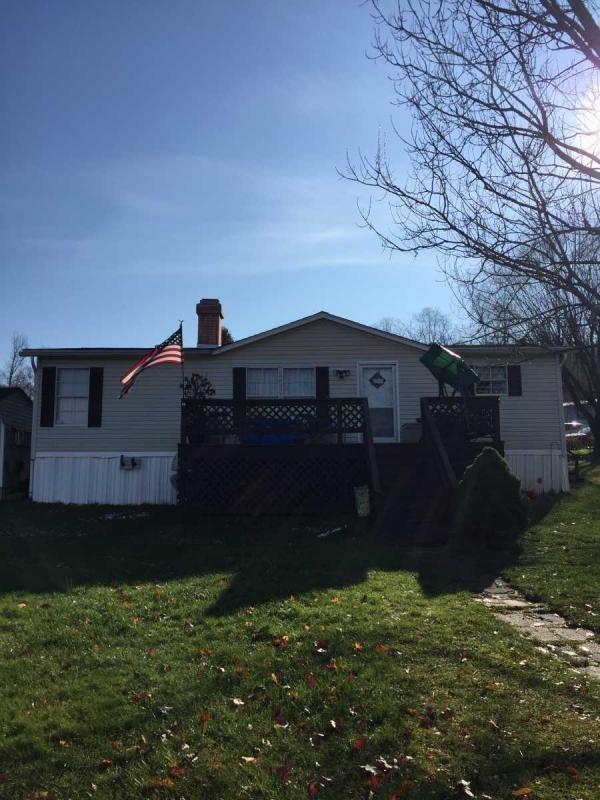 Mobile Home at 815 Circle Drive, Gap, PA