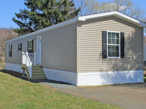 Mobile Home at 5 Willington Drive , Macungie, PA