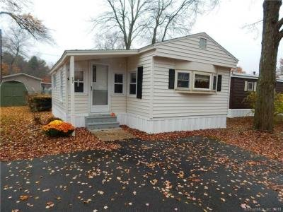Mobile Home at 17 Lovely St Plymouth, CT 06782