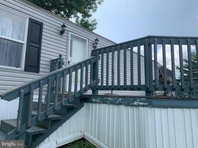 Mobile Home at 812 Wisteria Dr Ephrata, PA