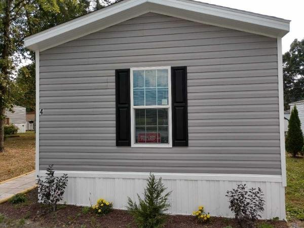 Mobile Home at 9626 Elfwood Drive, Grottoes, VA