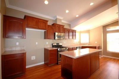 Kitchen w/Island