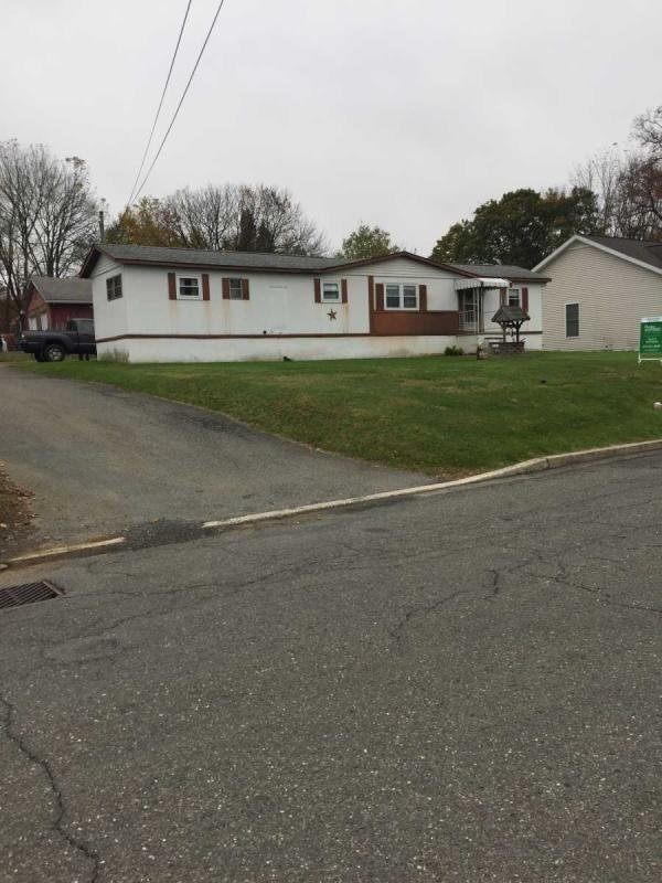 Mobile Home at 108 N Lincoln Ave, Walnutport, PA