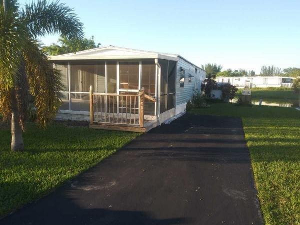 Mobile Home at 5287 SW 35th Court, Davie, FL