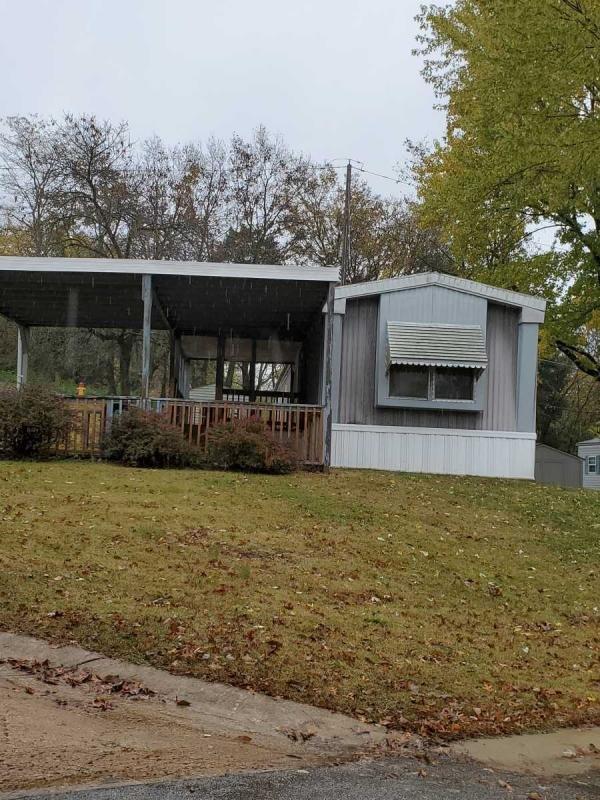 Mobile Home at 4 Cove Court, Fenton, MO