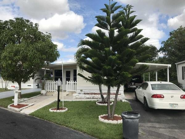Mobile Home at 6910 NW 43 Ave, Coconut Creek, FL