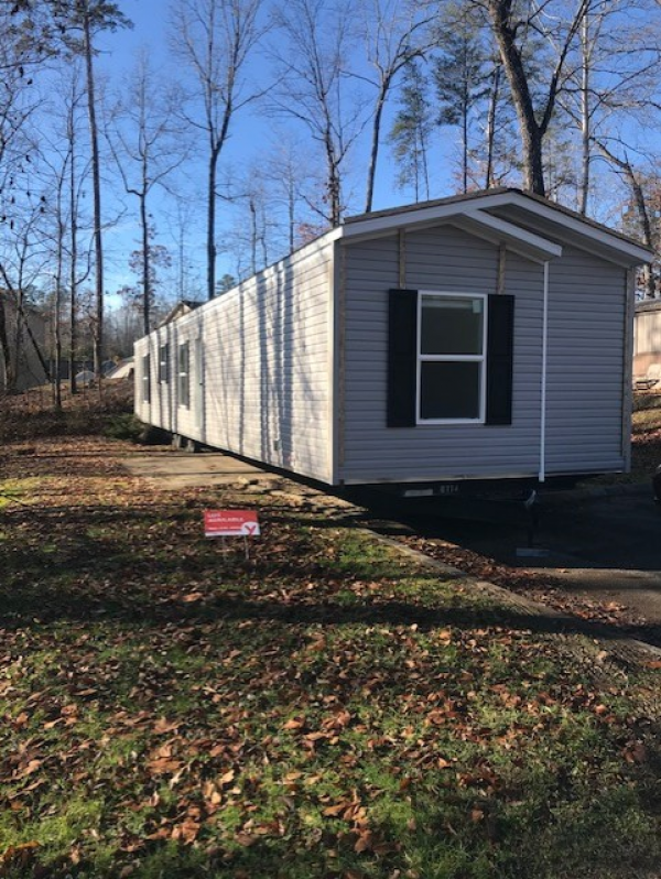 Mobile Home at 7804 Stanley Rd Lot #159, Powell, TN