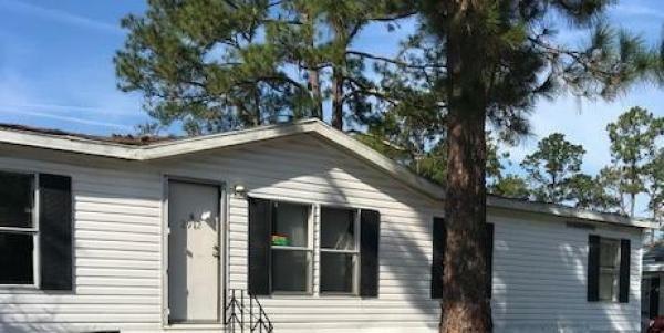 Mobile Home at 2912 Pimlico Lane, Jacksonville, FL