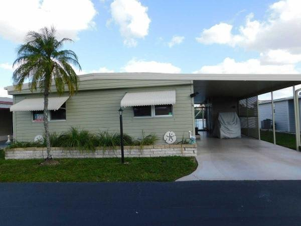 Mobile Home at 327 3rd Street Dr W #14, Palmetto, FL