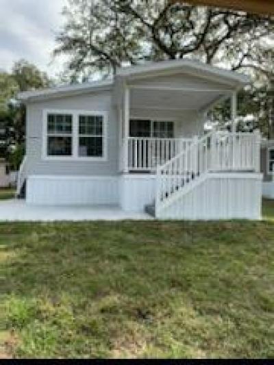 Mobile Home at 10804 Captain Hook Circle Thonotosassa, FL 33592