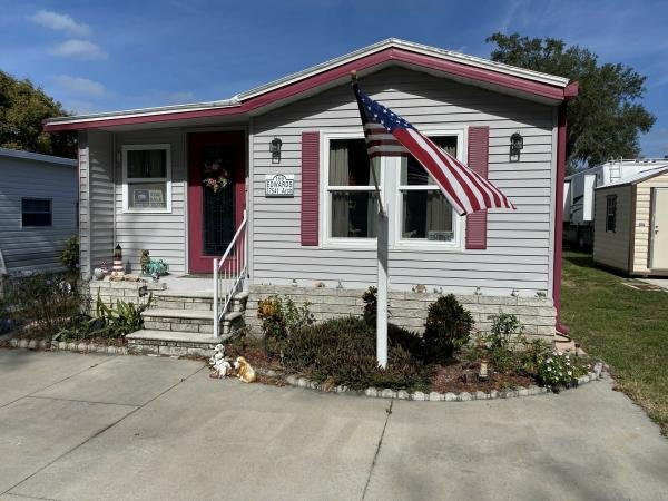 Mobile Home at 37541 Arch Lane, Zephyrhills, FL