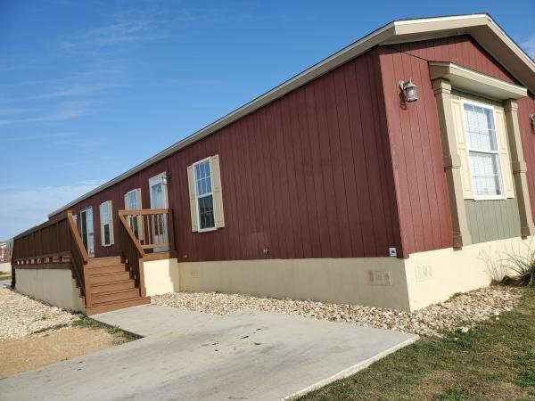 Mobile Home at 368 Lookout Ridge LP, San Marcos, TX