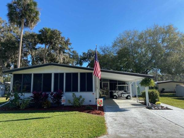Mobile Home at 9705 HICKORY HOLLOW RD LOT #79, Leesburg, FL