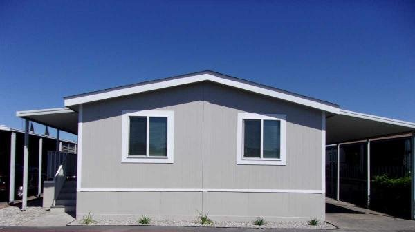 2010 sKYLINE Mobile Home For Rent