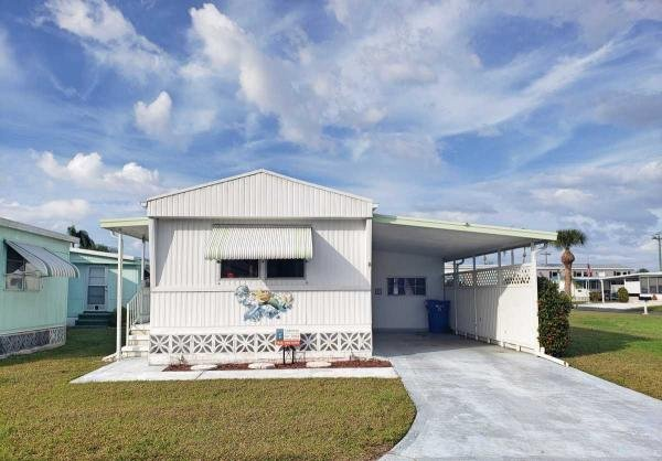 Mobile Home at 880 Tangelo Pl, Venice, FL