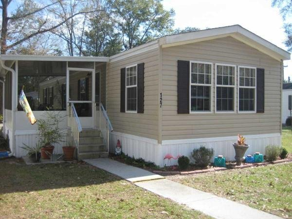 Mobile Home at 127 SW Greenbrier Court, Lake City, FL