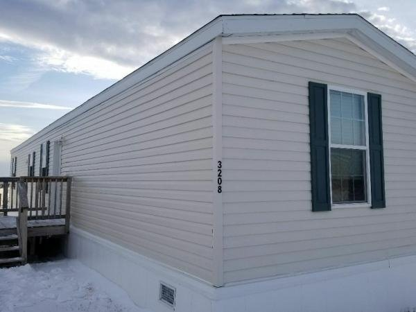 Mobile Home at 3208 25th Circle, Williston, ND