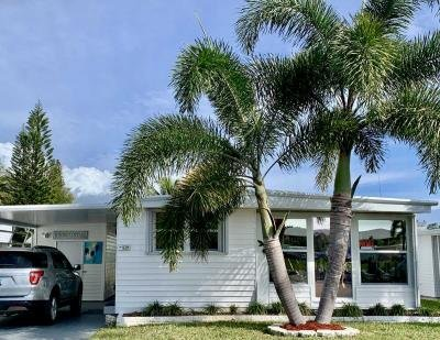 Mobile Home at 305 Pier E Naples, FL 34112