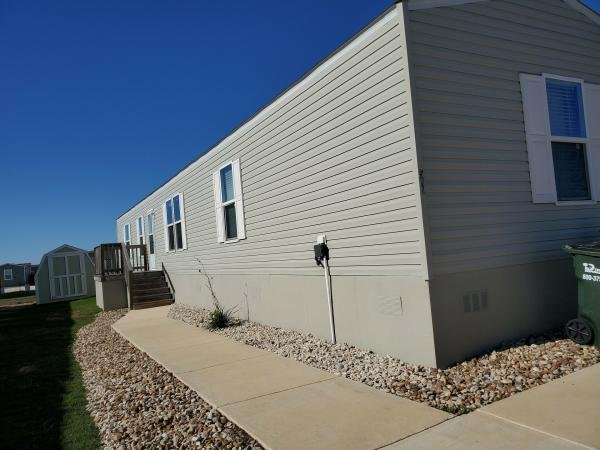 Mobile Home at 581 Lookout Ridge LP, San Marcos, TX