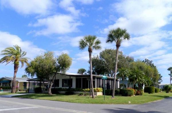 Mobile Home at 5479 Aylesbury Lane, Sarasota, FL