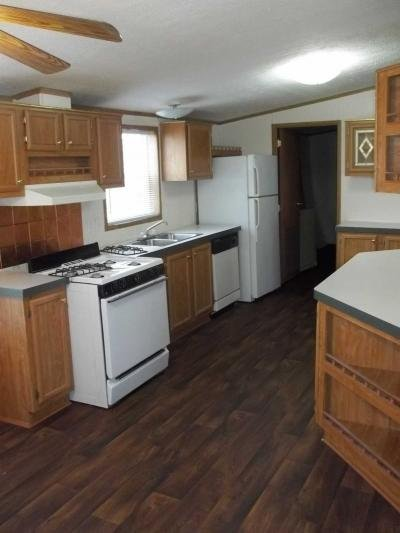 Mobile Home at 25345 Frontier Circle Flat Rock, MI 48134