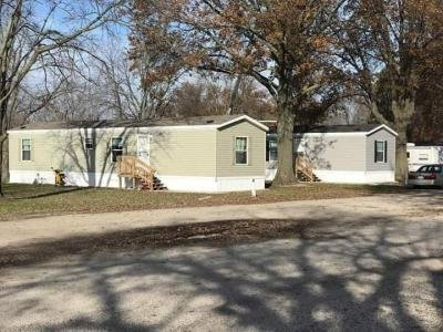 Mobile Home at 800 Southwind  Blvd lot 45 Robinson, IL 62454