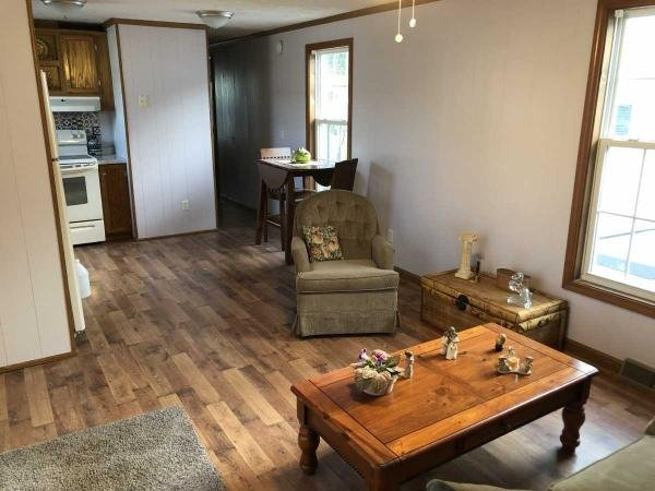 Shamrock Mobile Home for Sale in Springfield, MA 01151 for ...