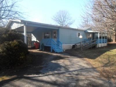 Mobile Home at 8902 Cedar Rd Breinigsville, PA 18031