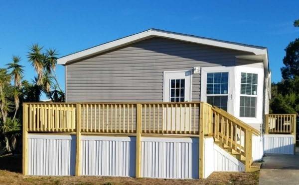 Photo 1 of 2 of home located at 32 Oakwood Lane Thonotosassa, FL 33592