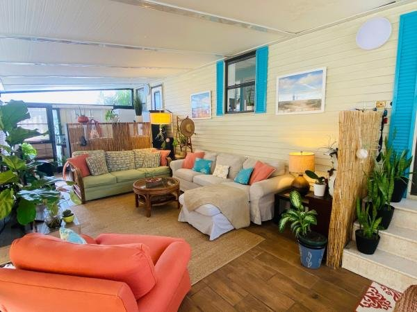 1987 OAKP Mobile Home For Sale