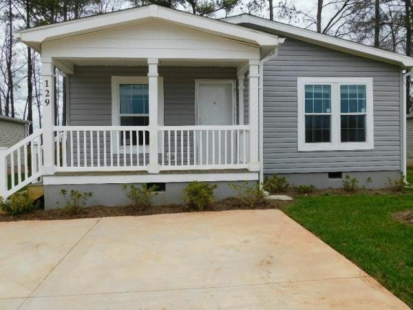 Mobile Home at 129 Willow Drive E, Newnan, GA