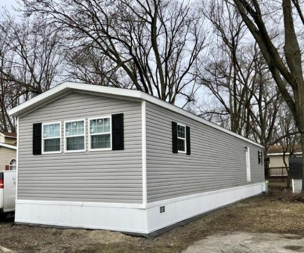 Mobile Home at 709 BRIARWOOD, Justice, IL