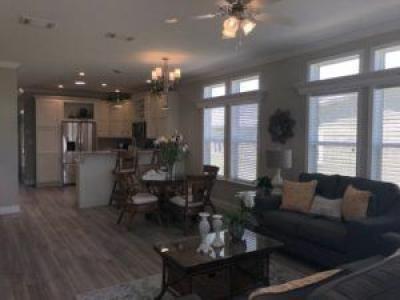 206 Hogan Drive Lady Lake, FL 32159