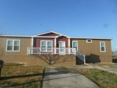Mobile Home at 7460 Kitty Hawk Road Site 302 Converse, TX
