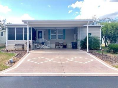 Mobile Home at 3719 Russian Olive Ln Zephyrhills, FL 33541