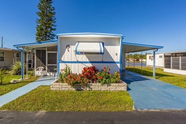 Mobile Home at 799 E Klosterman Rd lot 9, Tarpon Springs, FL