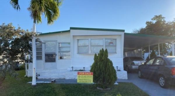 Mobile Home at 5360 SW Court, Davie, FL