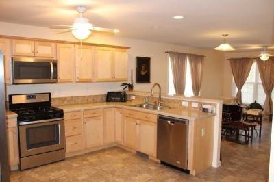 Kitchen w/upgraded birch cabinets