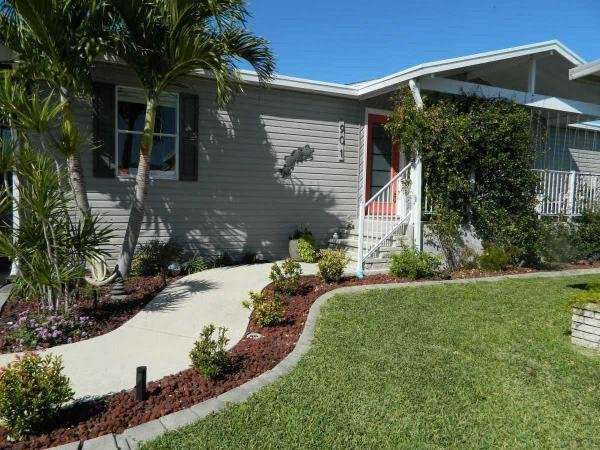 Mobile Home at 901 Cayman W, Venice, FL
