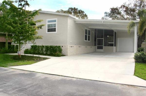 Mobile Home at 5832 Camelot Dr S, Sarasota, FL