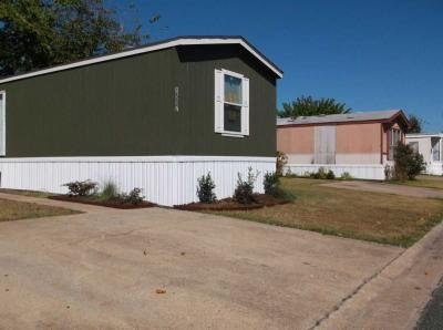 Mobile Home at 1516 Panda Glenn Heights, TX 75154