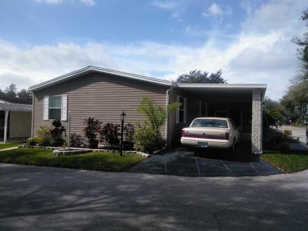 Mobile Home at 402 Silver Streak Lane, Valrico, FL