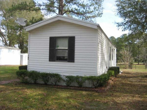 Mobile Home at 183 SW Woodberry Court, Lake City, FL