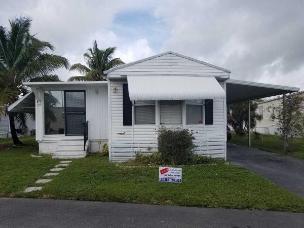 Mobile Home at 3187 SW 50th Lane, Davie, FL
