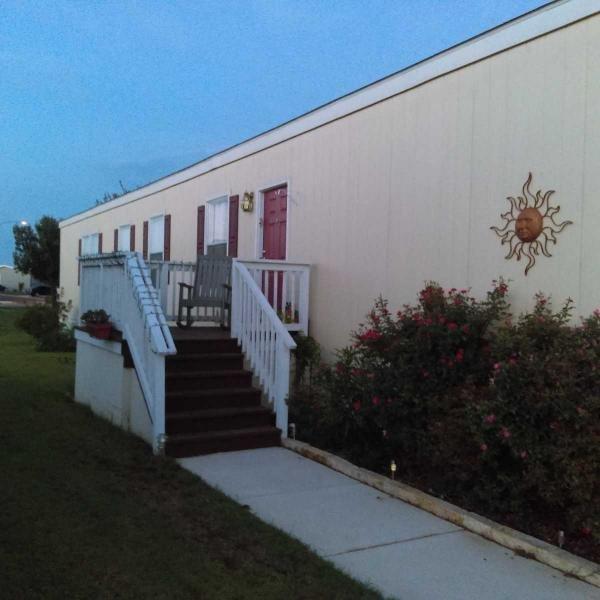 Mobile Home at 5820 Arcadia Cir, Del Valle, TX