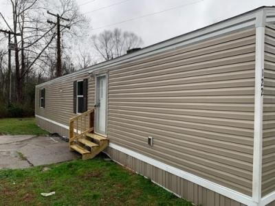 Mobile Home at 122 TUNNEL VIEW CIR Middlesboro, KY 40965