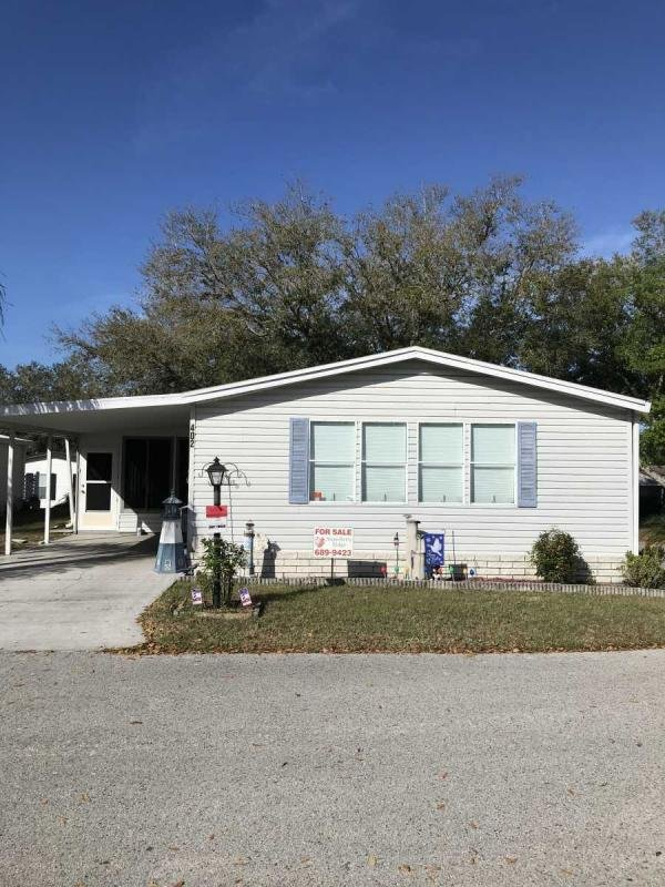 Mobile Home at 402 Box Car Lane, Valrico, FL